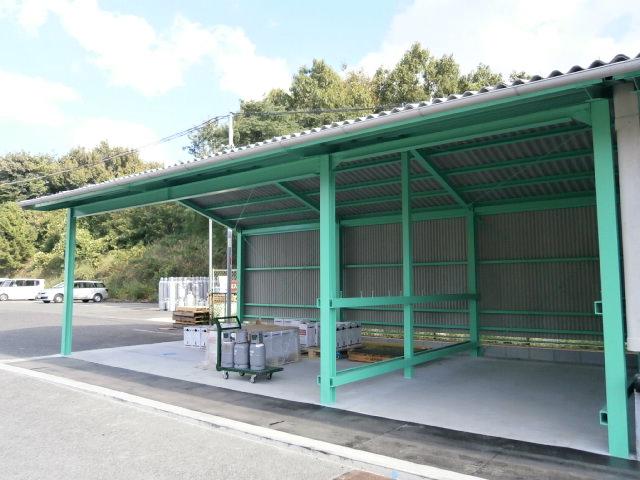 ボンベ倉庫